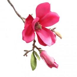 Magnólie, textilní dekorace, květina tmavě růžová