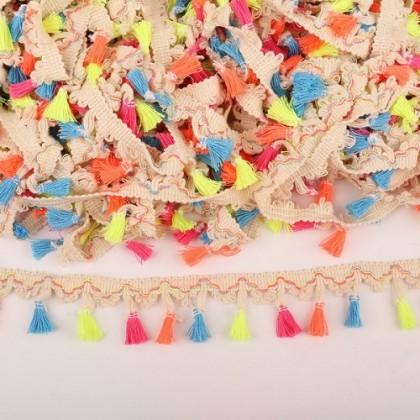 Prýmek - střapečky 40 mm, barevné střapečky s béžovým prýmkem, 1,8m