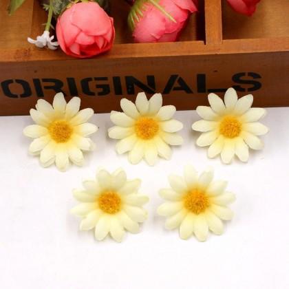Květ kopretina vanilková, textilní dekorace, květina